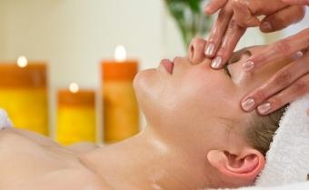 aroma-therapy-facial